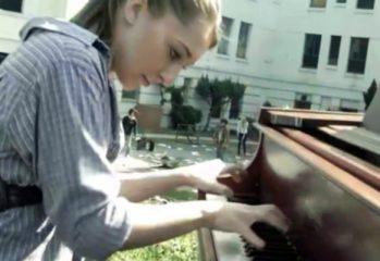 splash 2013 sonya belosouva pianist walking dead theme 349x240 - Walking Dead Theme Played By Pianist Sonya Belousova