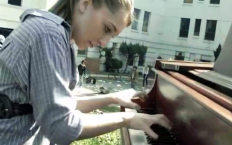splash 2013 sonya belosouva pianist walking dead theme 790x494 - Walking Dead Theme Played By Pianist Sonya Belousova