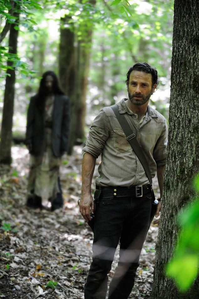 season 4 photo - First Walking Dead Season 4 Photo Released