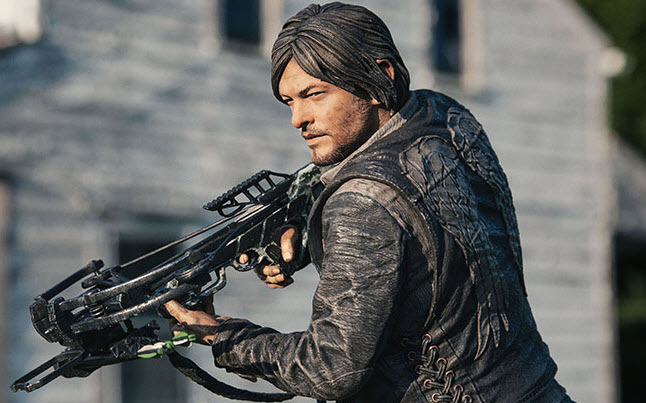 daryl dixon toys - New Pictures Of The Daryl Dixon Collector's Toy By McFarlane Toys