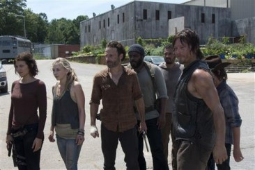 "rickgroup 366x245 - The Walking Dead Recap – Season 4, Episode 8: ""Too Far Gone"""