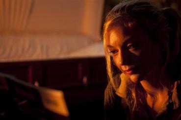"""bethsing 369x245 - The Walking Dead Recap – Season 4, Episode 13: """"Alone"""""""