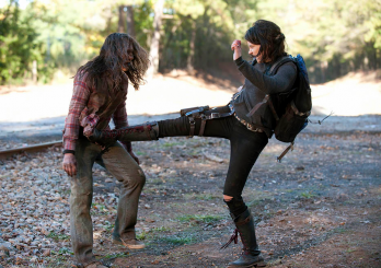 maggiekicknuts 348x245 - Lauren Cohan: 'Maggie Knows No Limits at This Point'