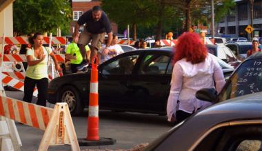 BmFlb 3CYAA0hZB 380x219 - The Walking Dead Escape Kicks Off In Baton Rouge