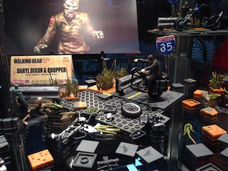 phprmj77e - The Walking Dead At Comic-Con: Day One