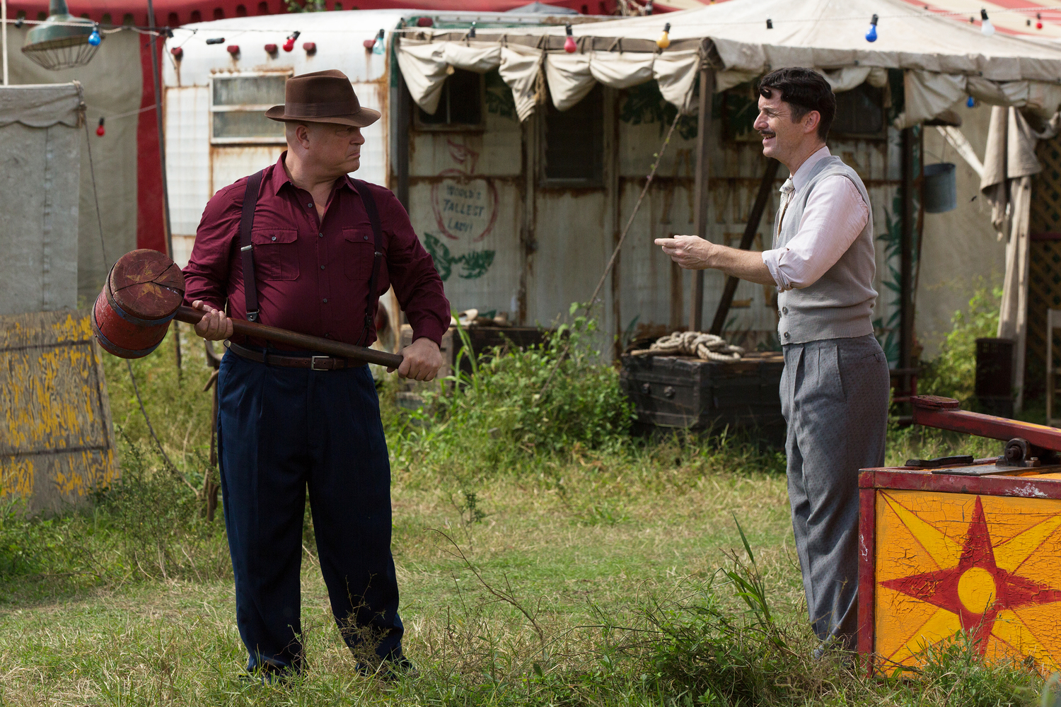 AHS 100714 0446 hires1 - American Horror Story: Freak Show 'Test of Strength' Recap