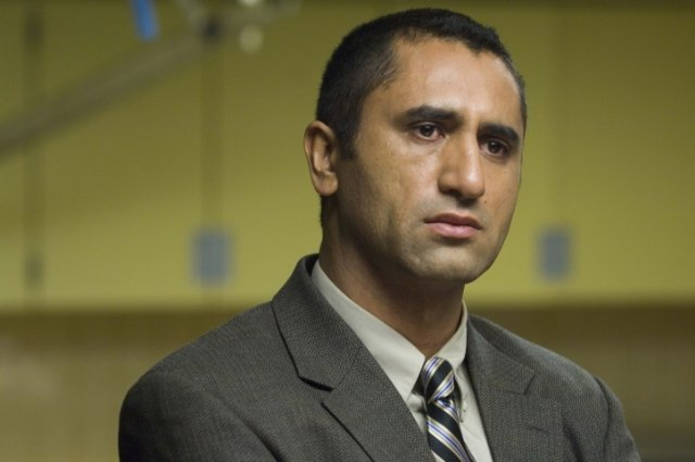 Cliff Curtis, male lead of the companion series.