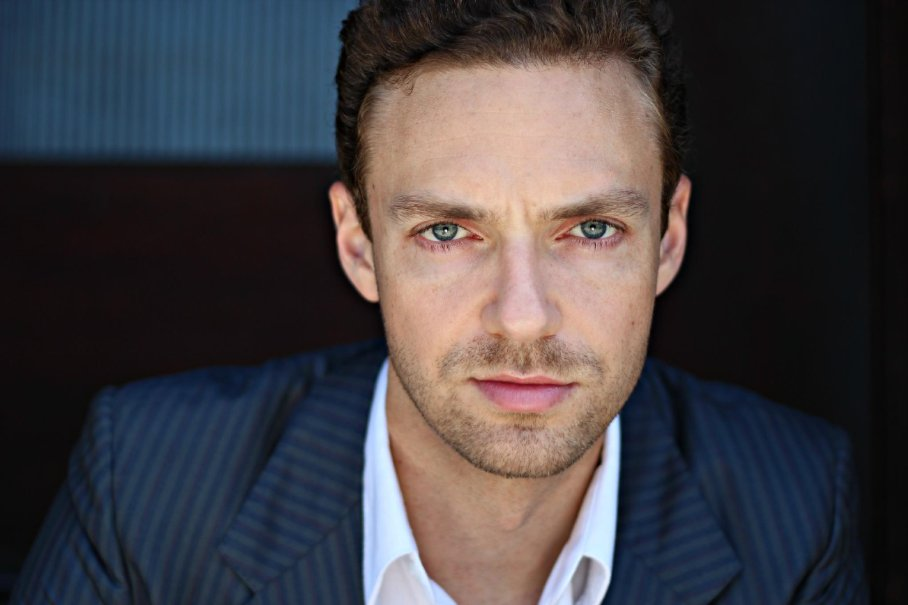 rossmarquand - Ross Marquand Joins The Walking Dead Cast as Mysterious New Character