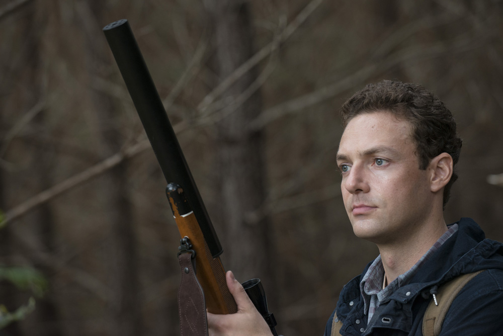 aaron - The Walking Dead 513 'Forget' Promos and Sneak Peeks Show Rick's Group Plotting
