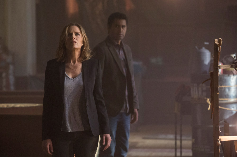 "walking dead companion - Catch Preview of ""Fear The Walking Dead"" This Sunday"