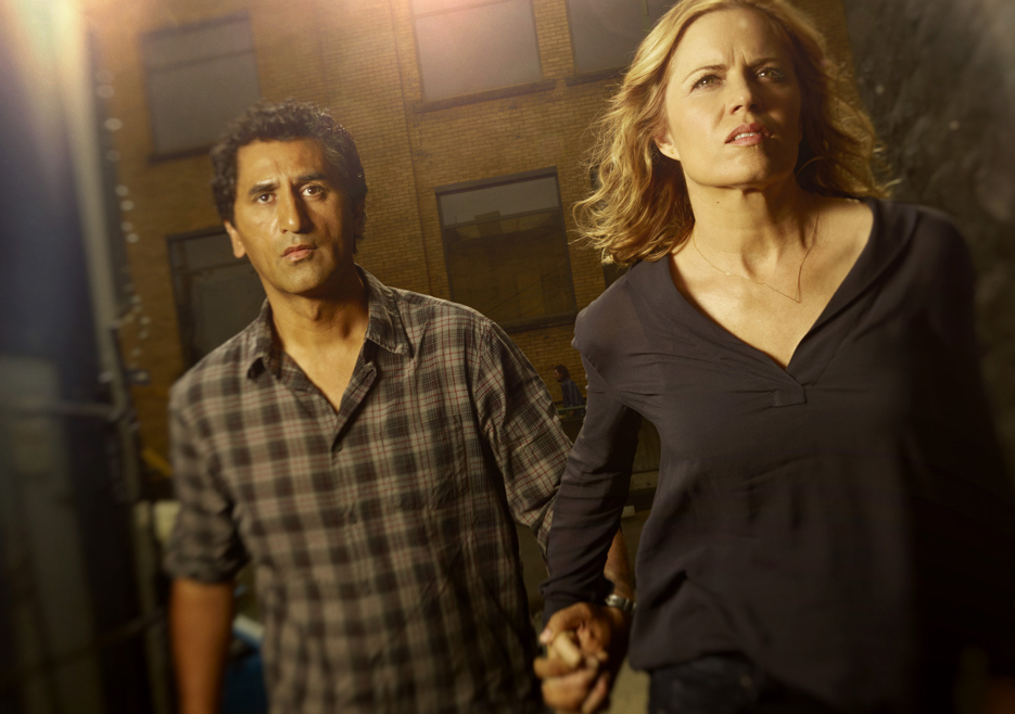 fear the walking dead season 1 gallery madison dickens travis curtis 935 1 - First Review For Fear The Walking Dead Is Live