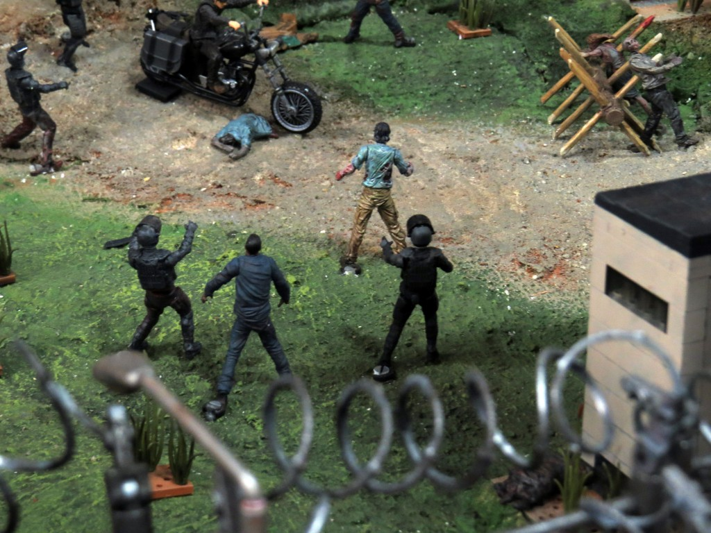 sdcc2015 07 09 mcfarlane toys booth 08 1024x768 - SDCC2015: A Photo Gallery Of McFarlane's Walking Dead Figures