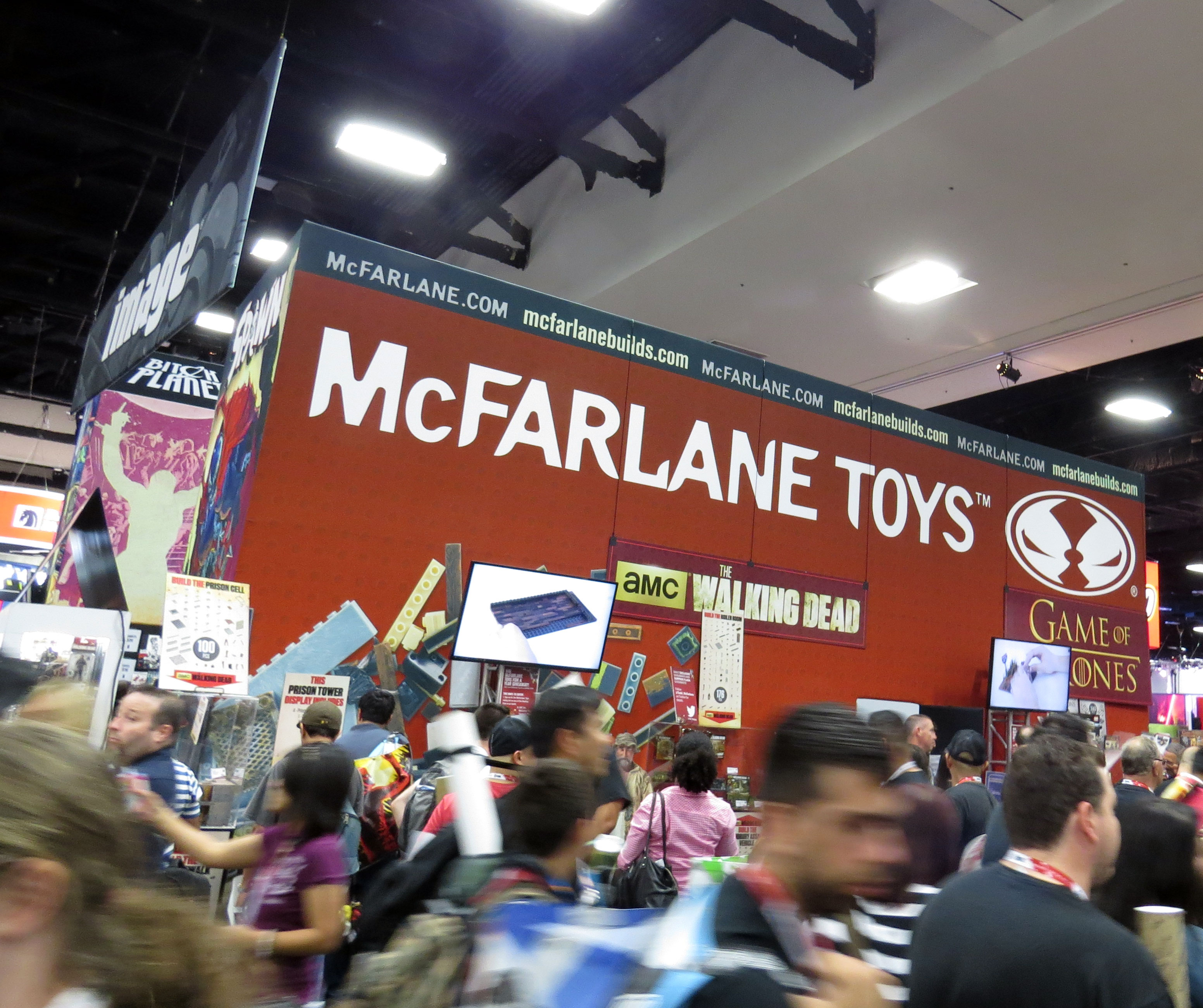 sdcc2015 07 09 mcfarlane toys booth 09 - SDCC2015: A Photo Gallery Of McFarlane's Walking Dead Figures