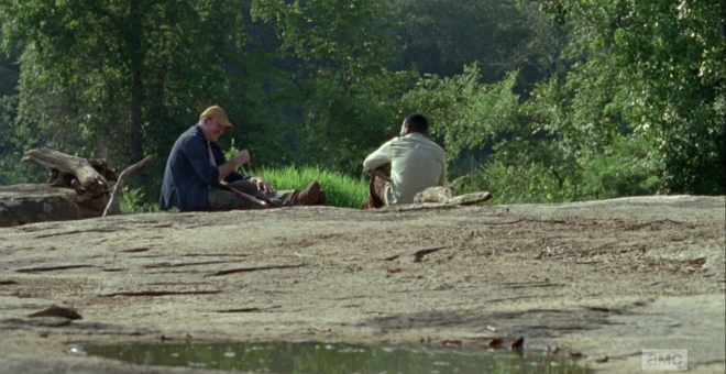 """vlcsnap 2015 11 06 00h45m26s154 660x340 - The Walking Dead Recap: """"Here's Not Here"""""""