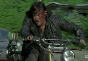 "vlcsnap 2015 11 20 15h36m14s148 349x240 - The Walking Dead Recap: ""Always Accountable"""
