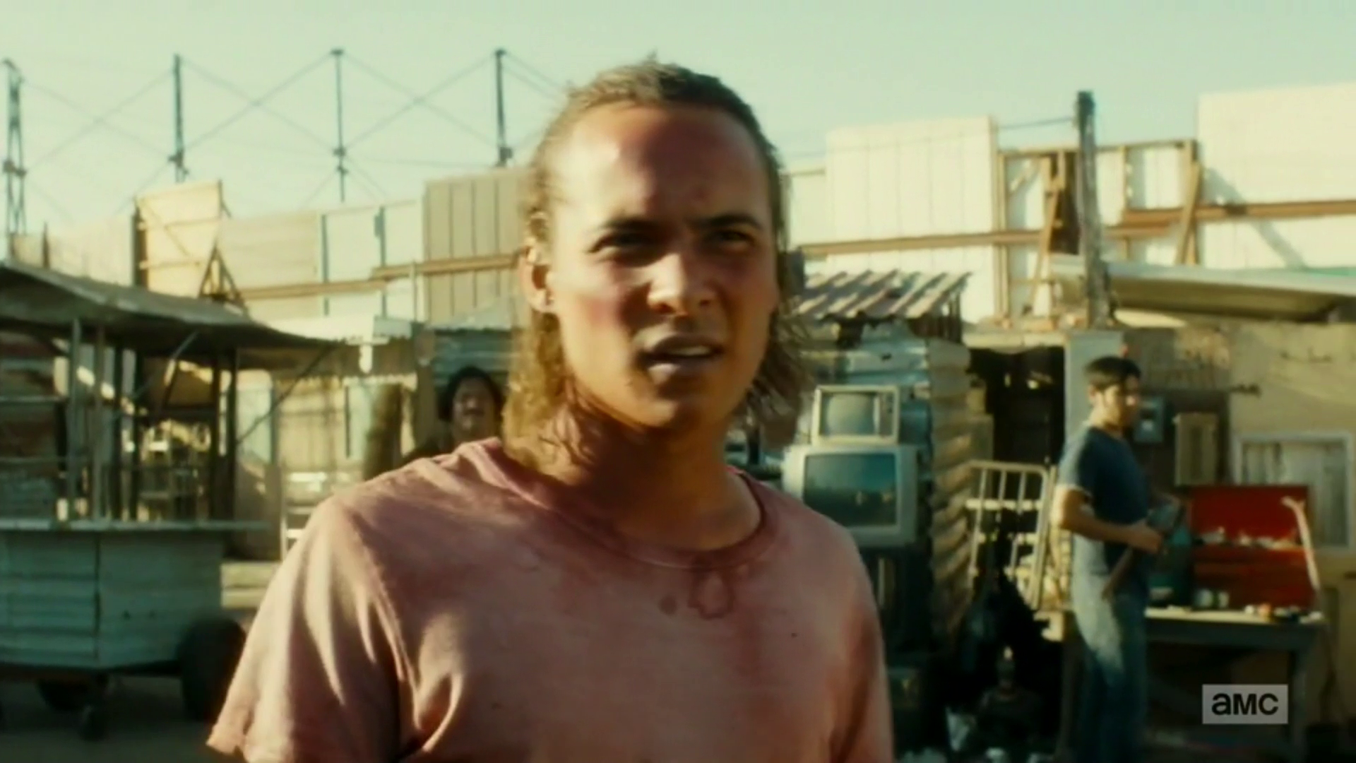 "vlcsnap 2016 08 23 00h50m11s3 - Fear The Walking Dead Recap: ""Grotesque"""