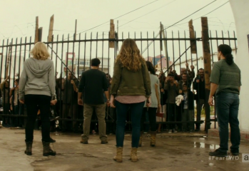 "vlcsnap 2016 09 27 17h41m39s29 349x240 - Fear The Walking Dead Recap: ""Date Of Death"""