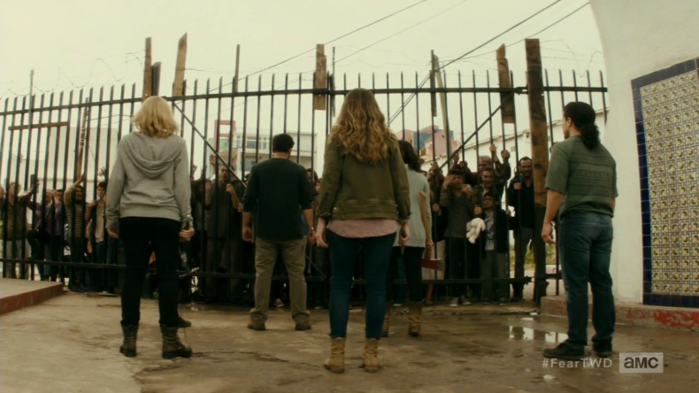"vlcsnap 2016 09 27 17h41m39s29 790x444 - Fear The Walking Dead Recap: ""Date Of Death"""