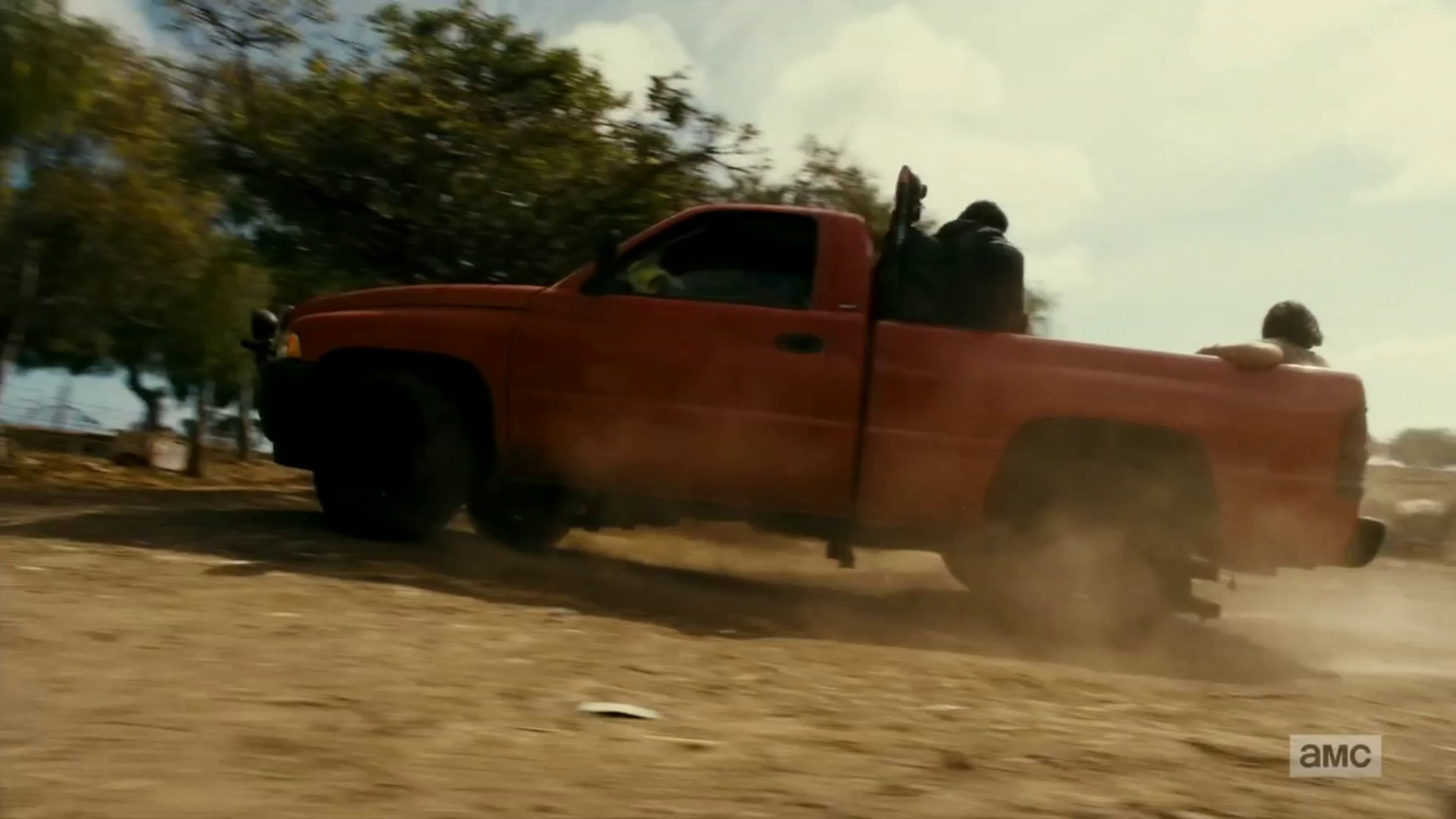 "vlcsnap 2016 09 27 18h57m09s13 - Fear The Walking Dead Recap: ""Date Of Death"""