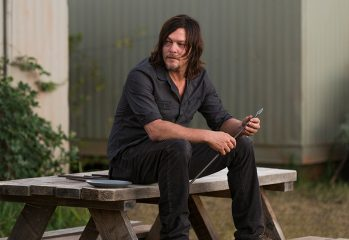 the walking dead episode 714 daryl reedus pre 800x600 349x240 - Two Fibs And One Fact About The Season Finale