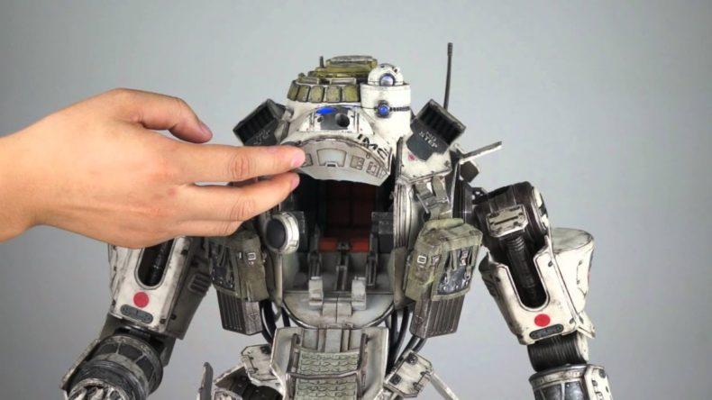 insanely detailed titanfall atla 790x444 - Insanely Detailed Titanfall Atlas Toy in Action